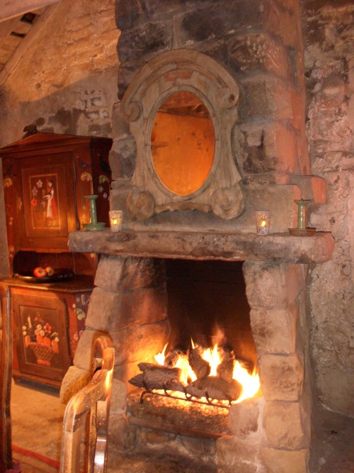 Old fireplaces on pinterest stone fireplaces fireplaces for French country stone fireplace